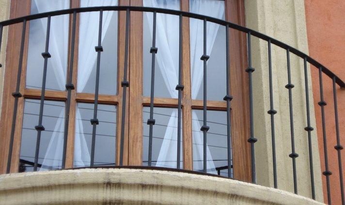Forja y herreria garza taller forja y herreria apodaca for Modelos de balcones modernos para casas