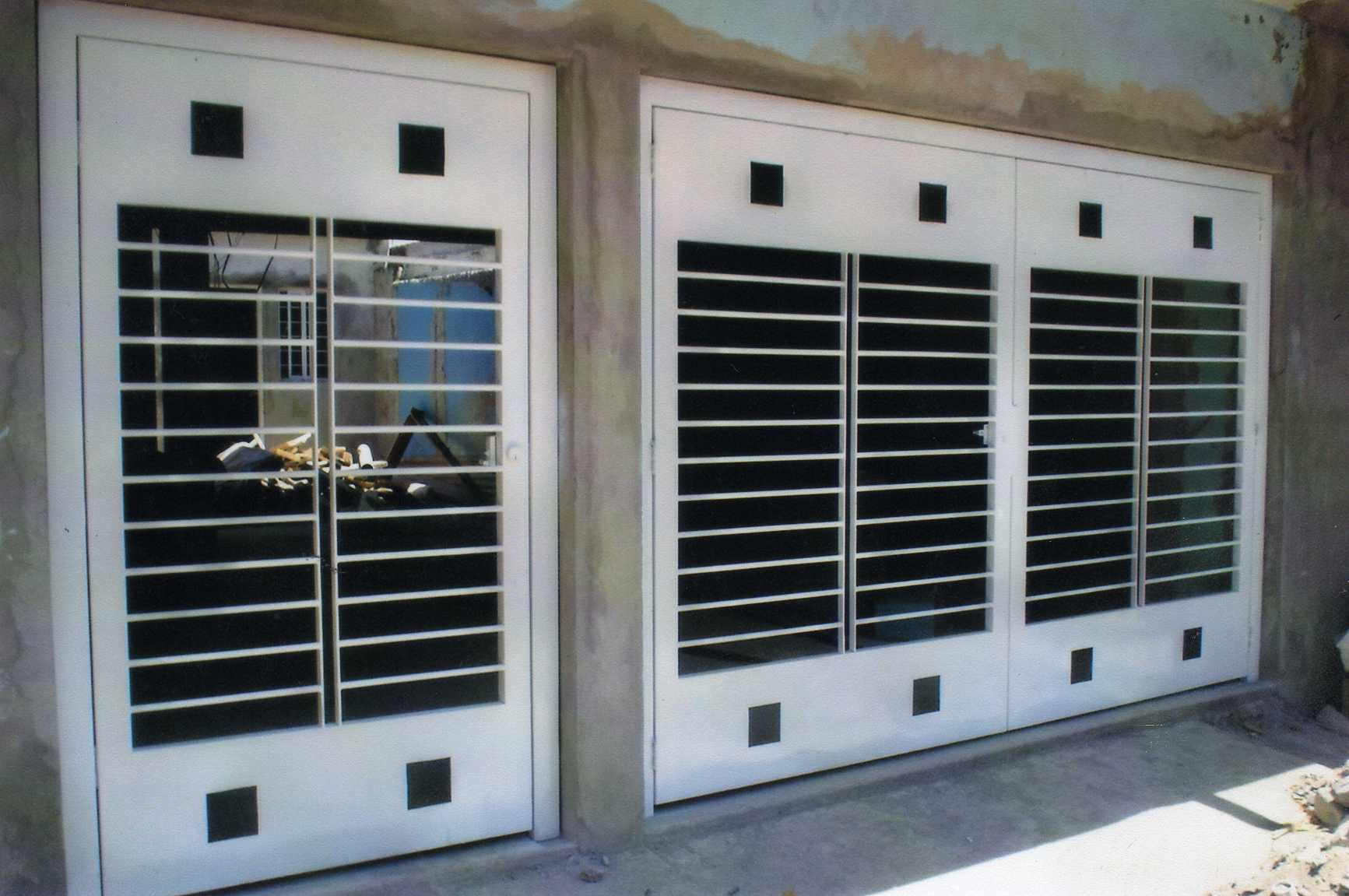 Forja y herreria garza taller forja y herreria apodaca for Puertas para casas minimalistas